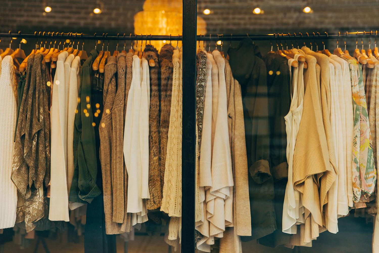 vitrine de magasin de vêtements